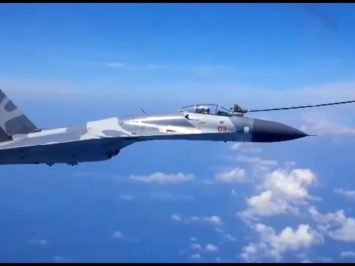 Sukhoi air refueling