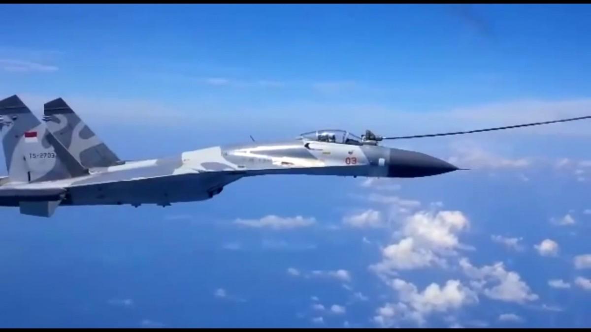 Sukhoi air refueling