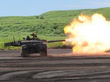 Jepang demonstrasikan kemampuan tank tempur utama Type 10