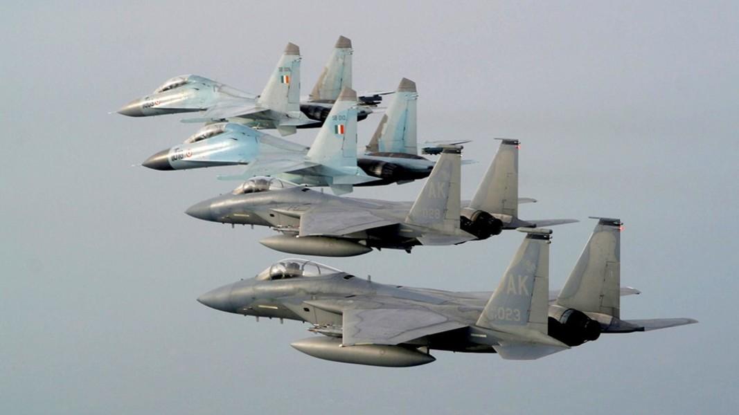 F-15E dan Su-30MKI