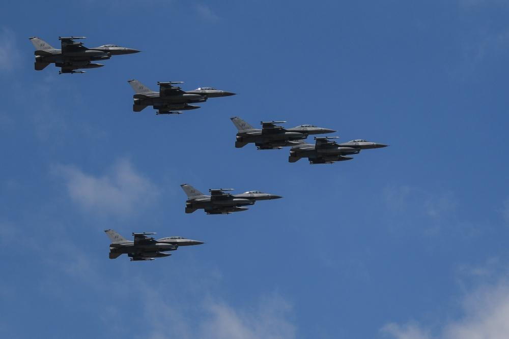 F-16s_aviano