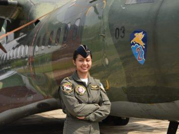 Letda Kal Dewa Ayu - Load Master Wanita Pertama TNI AU
