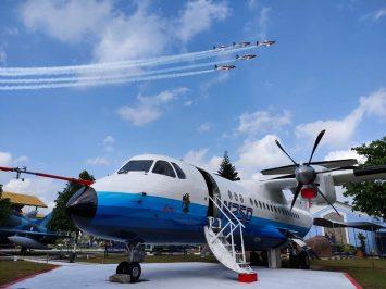 N250 dan Jupiter Aerobatic Team