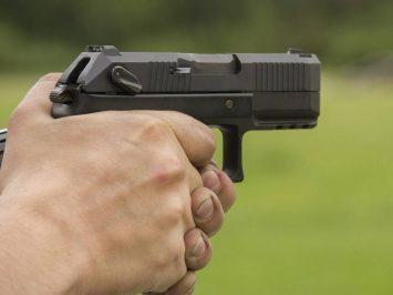 pistol Poloz