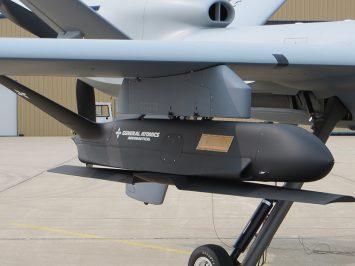 MQ-9A membawa Sparrowhawk, pengembangan terbaru dari General Atomics