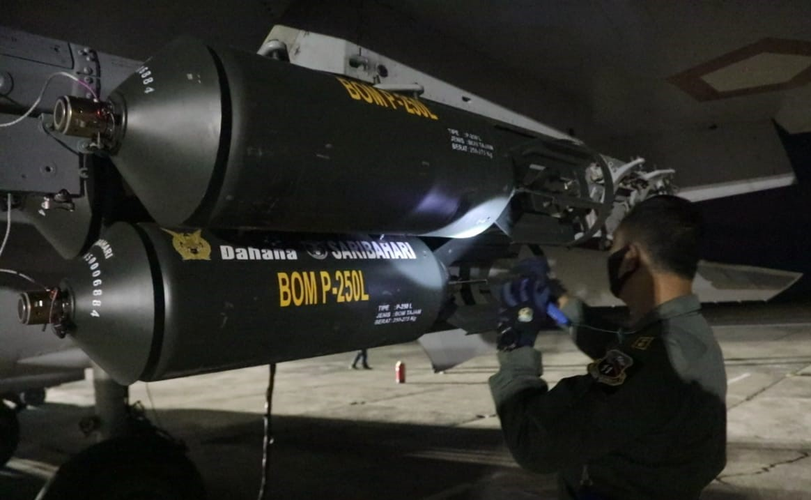 Bom P-250L malam hari_1