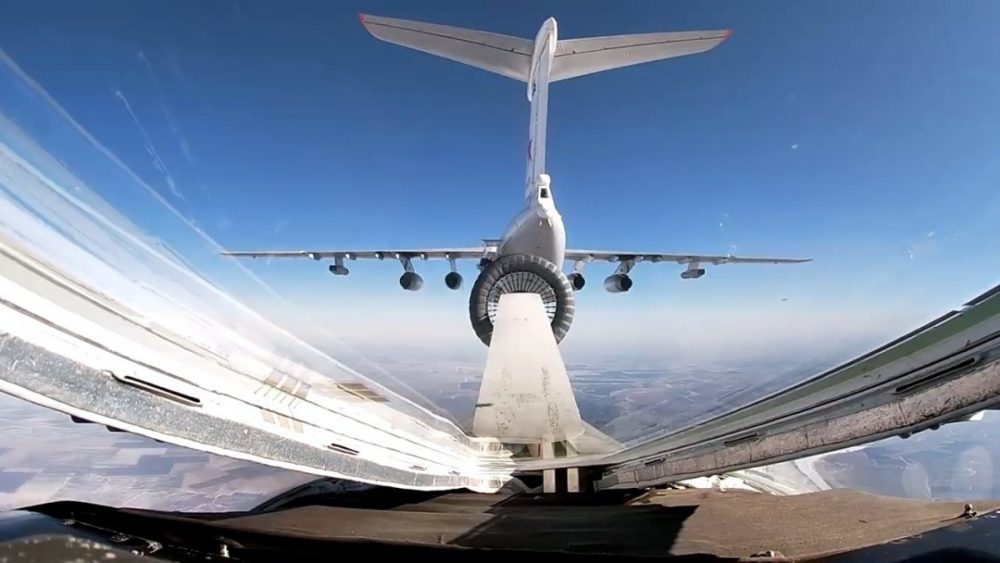 AAR from Il-78 to Tu-160