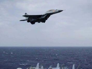 MiG-29K India jatuh ke laut, satu pilot masih hilang