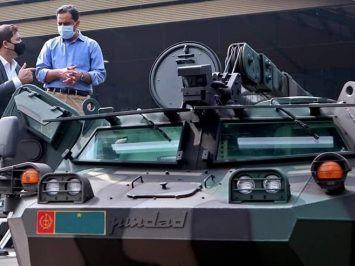 Delegasi Kementerian Pertahanan Pakistan minati Anoa buatan Pindad