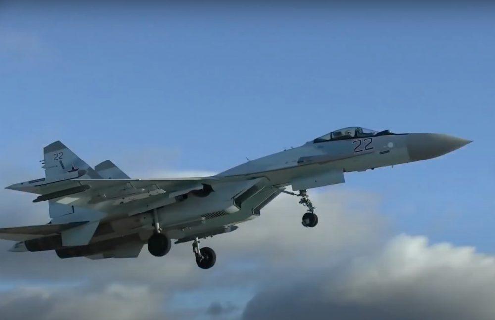 Su-35 bort 22