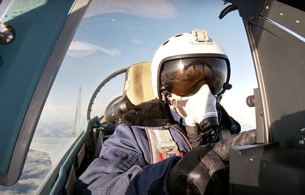 Su-35 dogfight_karelia_AR