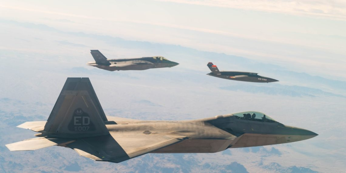F-35B-F-22-XQ-58A-share-data-for-first-time