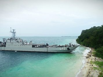 KRI Teluk Cirebon-543