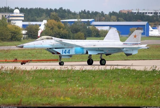 MiG-144