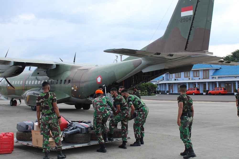 CN295 Skadron Udara 2 membawa bantuan korban banjir ke Kalsel