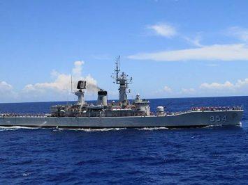 Bawa bantuan korban gempa, dua kapal perang TNI AL tiba di Mamuju