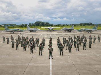 Panglima TNI Tinjau ACMI dan Hanggar Sukhoi di Lanud Iswahjudi