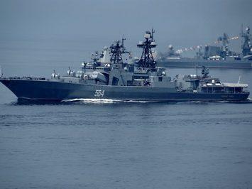 Tu-142 dan Il-38 kawal penembakan kapal perusak Admiral Tributs di Laut Jepang