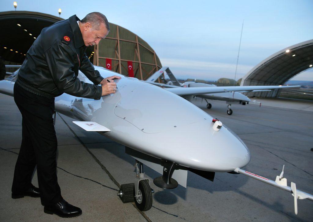 Erdogan tandatangani drone Bayraktar TB2 tahun 2018