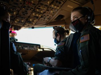 Penerbangan KC-46A USAF dengan seluruh kru wanita