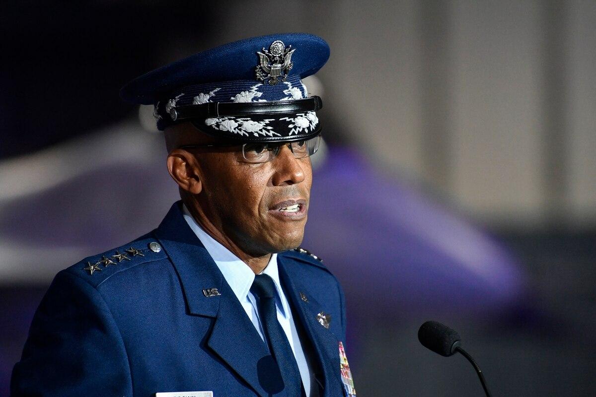 Jenderal Charles Bwown Jr