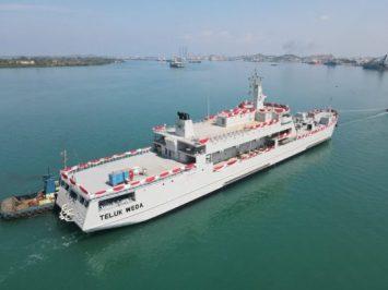 Kapal Angkut Tank terbaru KRI Teluk Weda-526 untuk TNI AL
