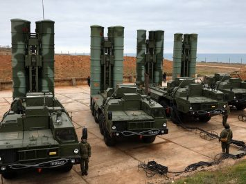 S-400 Triumf anti-aircraft weapon systems go on combat duty in Sevastopol, Crimea