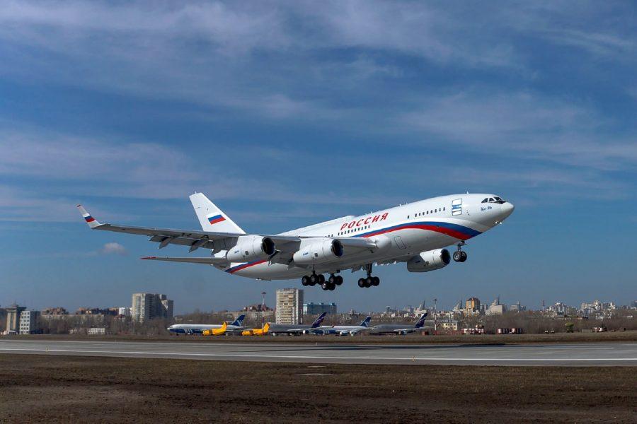 ilyushin_il-96-300_maiden_flight