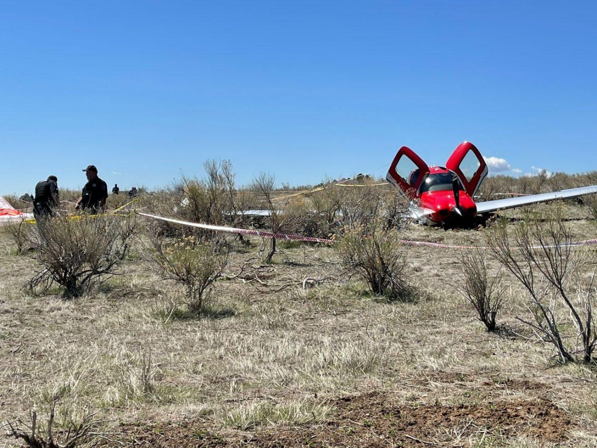cirrus SR-22_mendarat dengan parasut