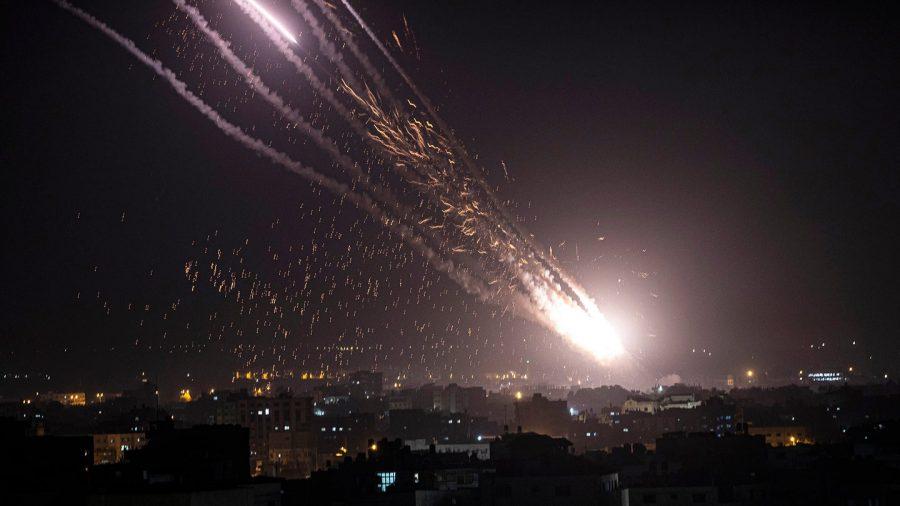 serangan roket terhadap Israel
