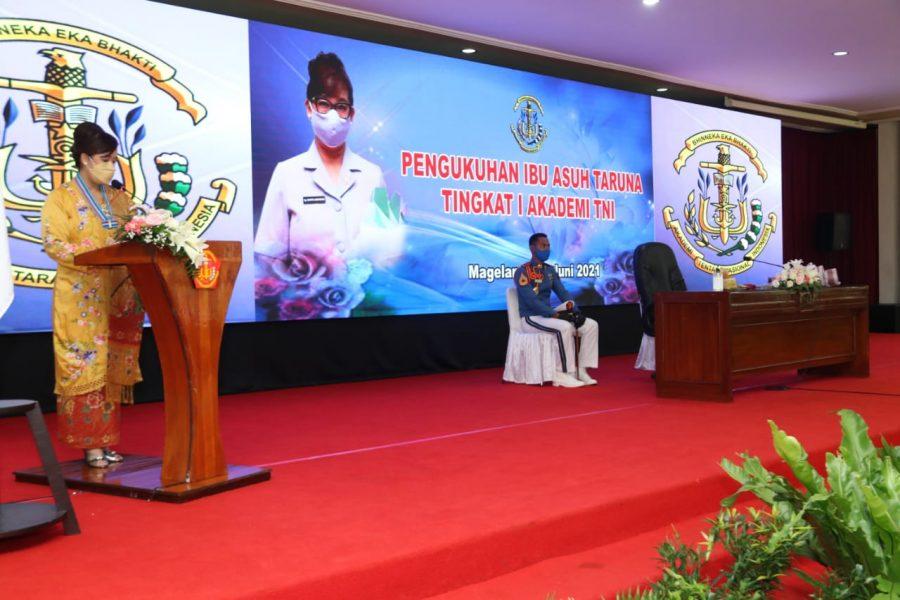 Pengukuhan Ibu Asuh Taruna tingkat I Akademi TNI_3