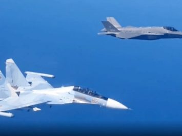 Su-35 dan F-35A