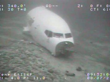 hidung pesawat Transair 737-200