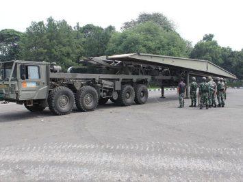 yon Mar 1 latihan gelar jembatan taktis