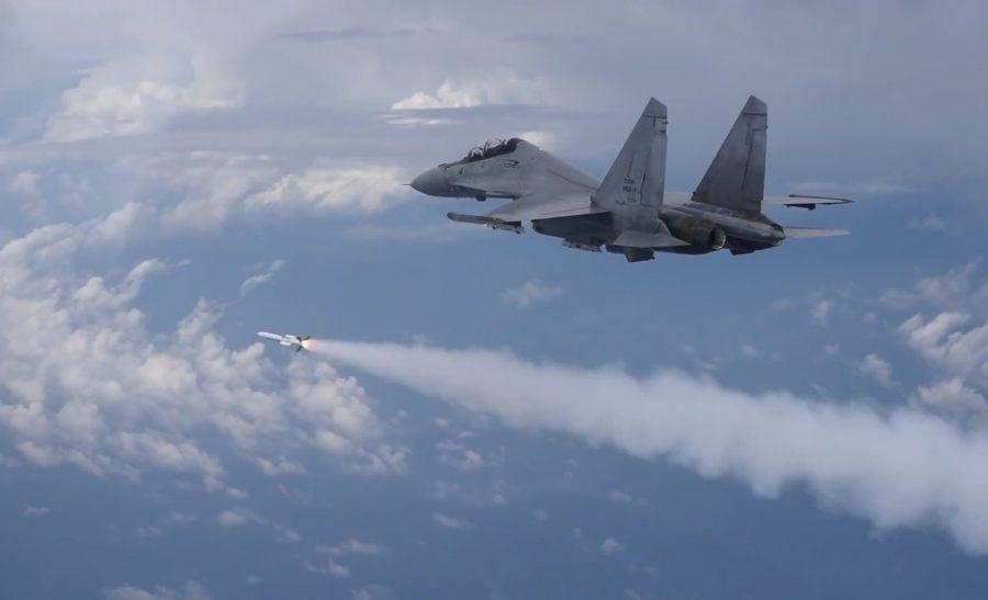 Su-30MKM luncurkan rudal