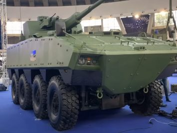 Yugoimport perkenalkan panser LAZANSKI 8X8 dengan kanon 57 mm